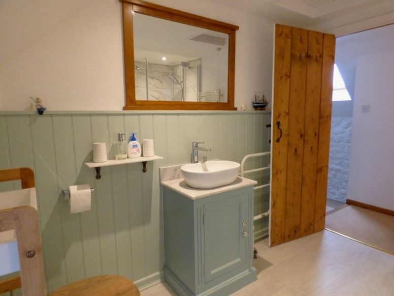 Lime Cottage | Bathroom