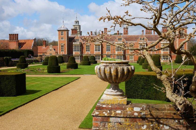 Local Area: Blickling Hall is a short drive from Hare Cottage