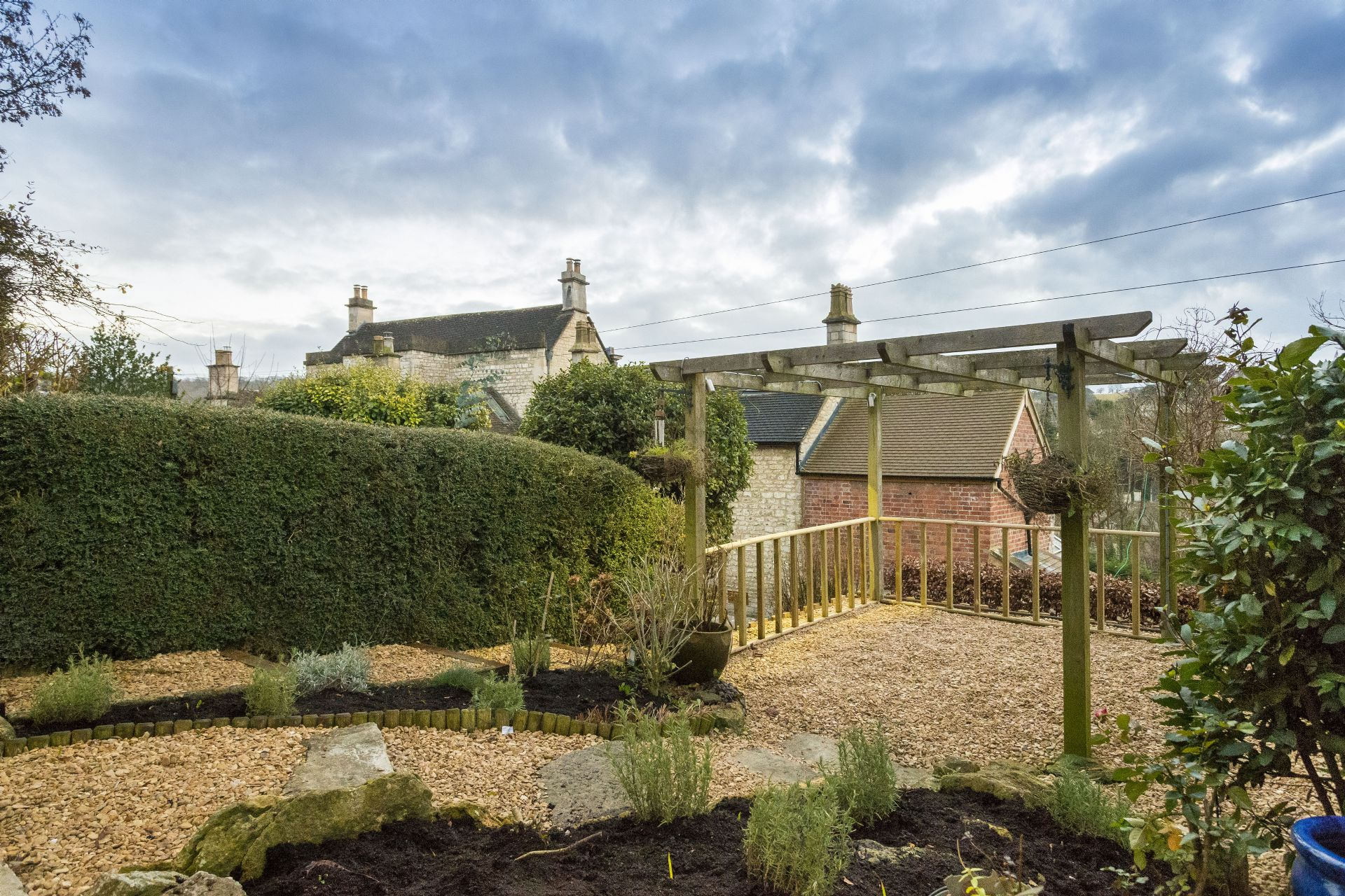 Weavers Cottage: fully enclosed west-facing garden