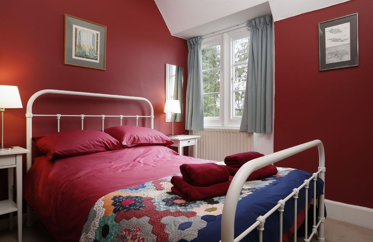 First floor: Master bedroom with 5' king size bed