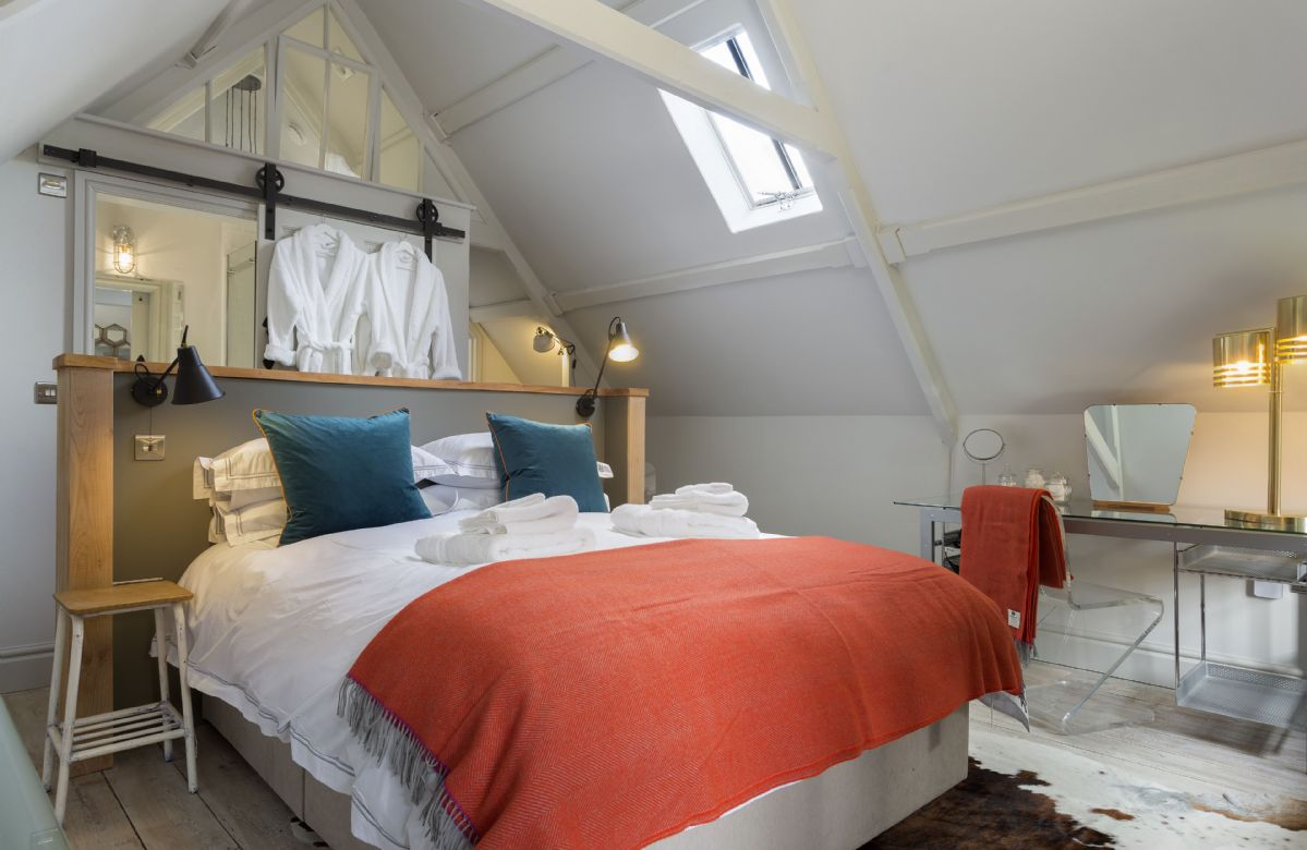 The Stables: First floor en-suite bedroom with super king bed (can be converted to two singles on request)
