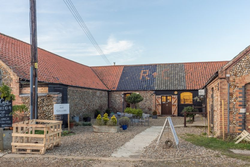The Art Cafe & The Birdscapes Gallery in Glandford