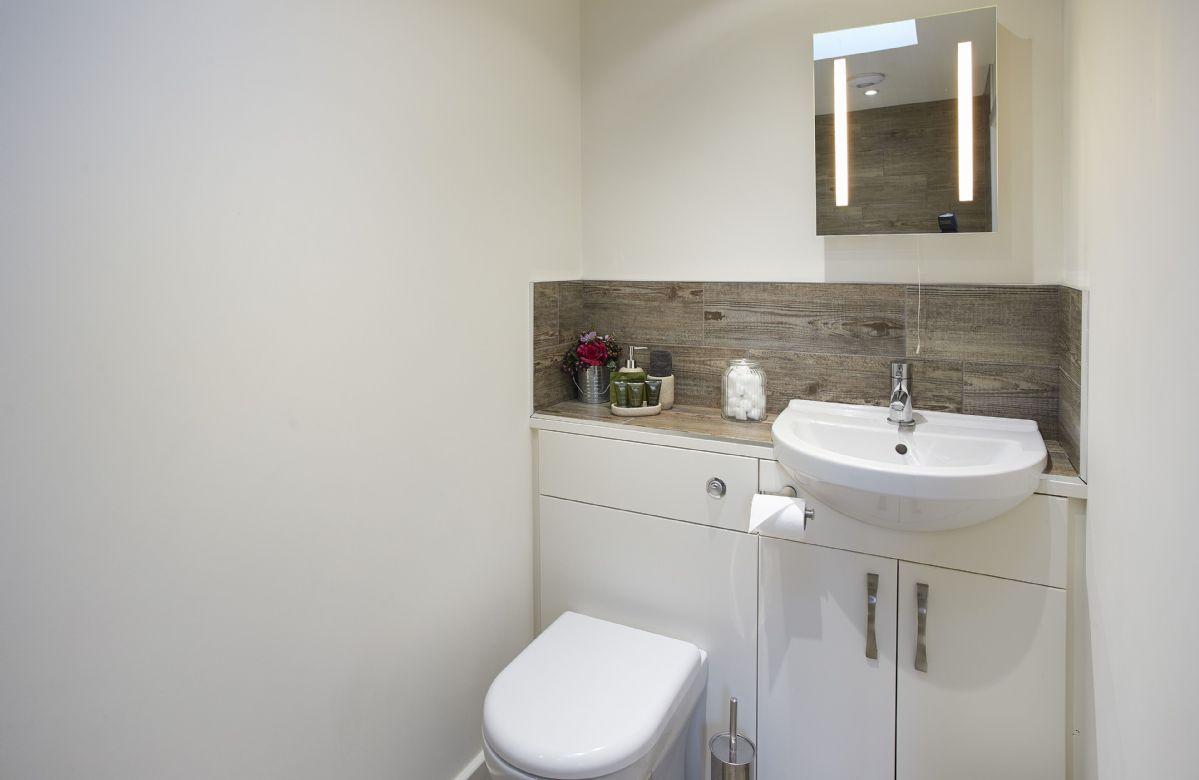 Ground floor: Modern family bathroom