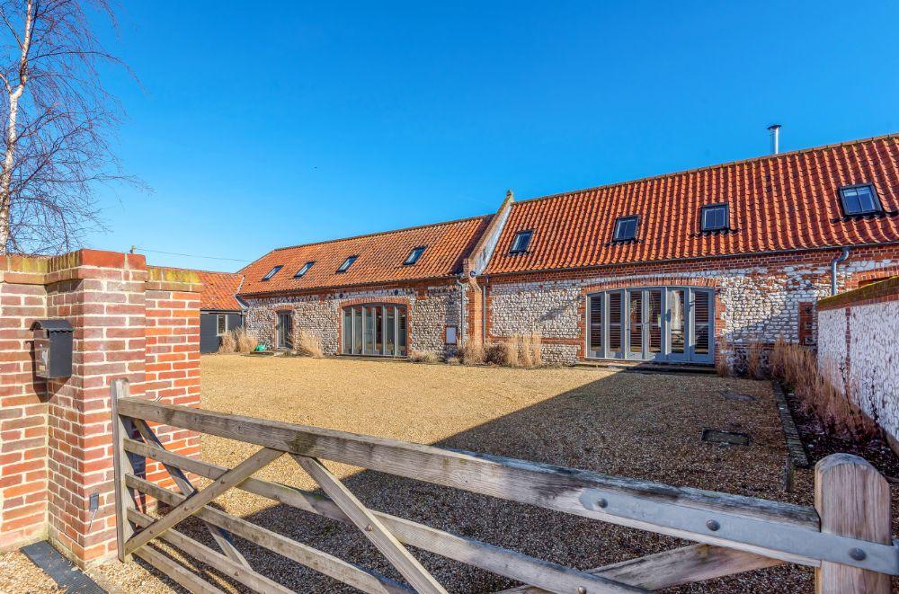 3 Marshland Barns | Outside