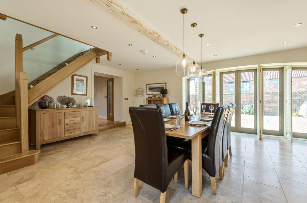 3 Marshland Barns | Dining area