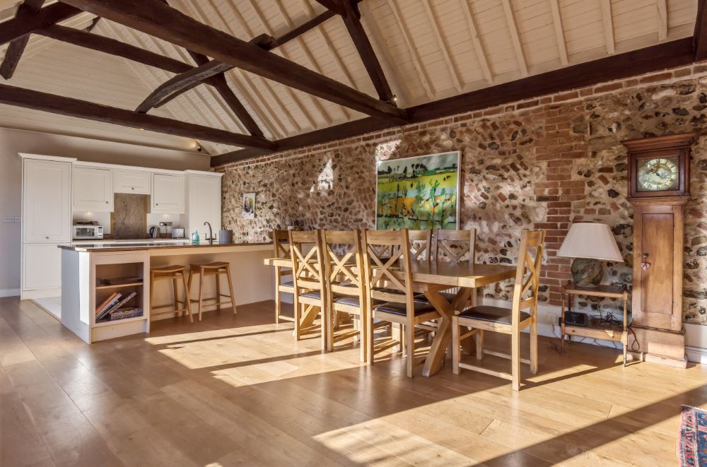 Pond Farm Barn | Dining area and kitchen