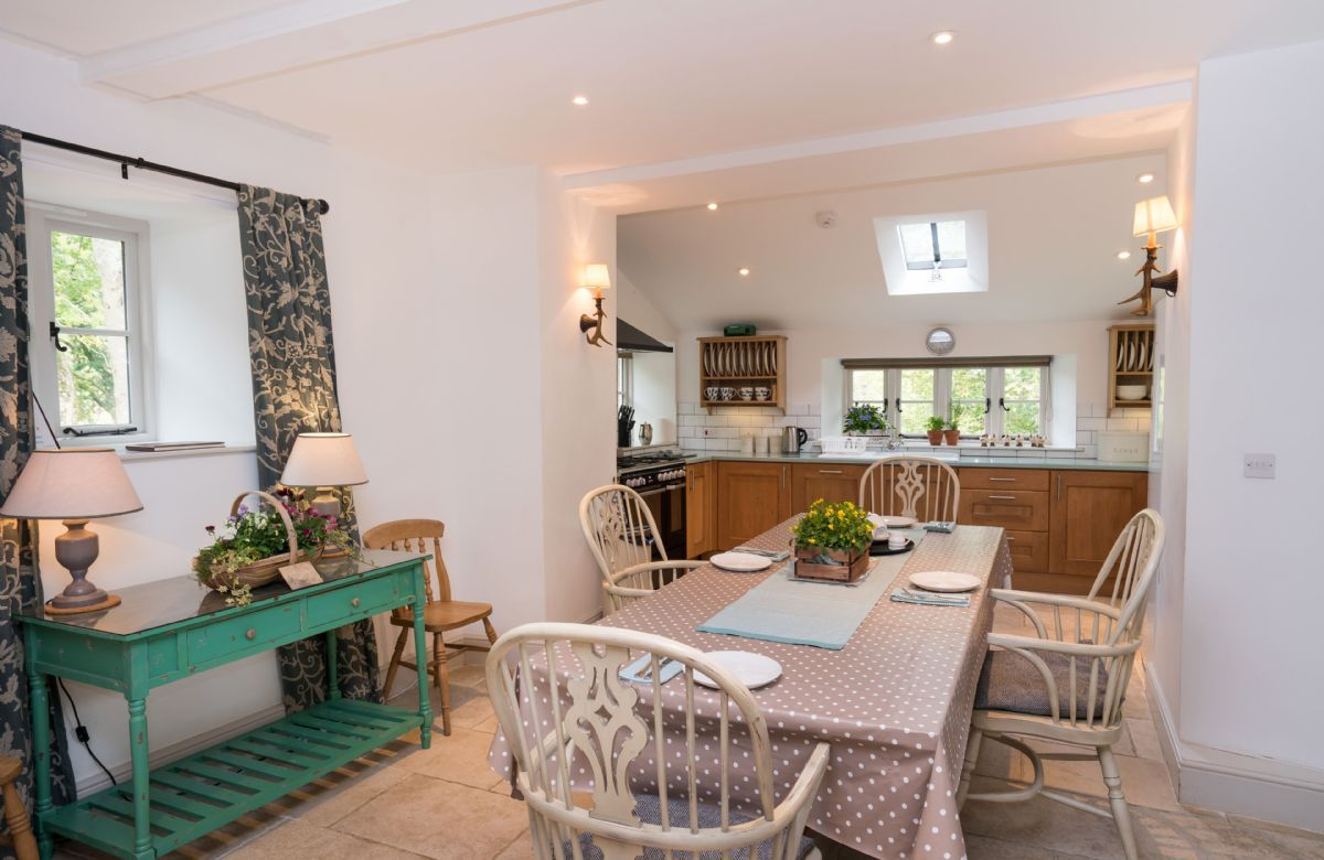 Ground floor: Large and fully equipped kitchen and dining room