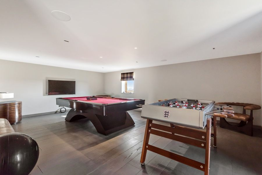 Beacon Hill Barn | Games room