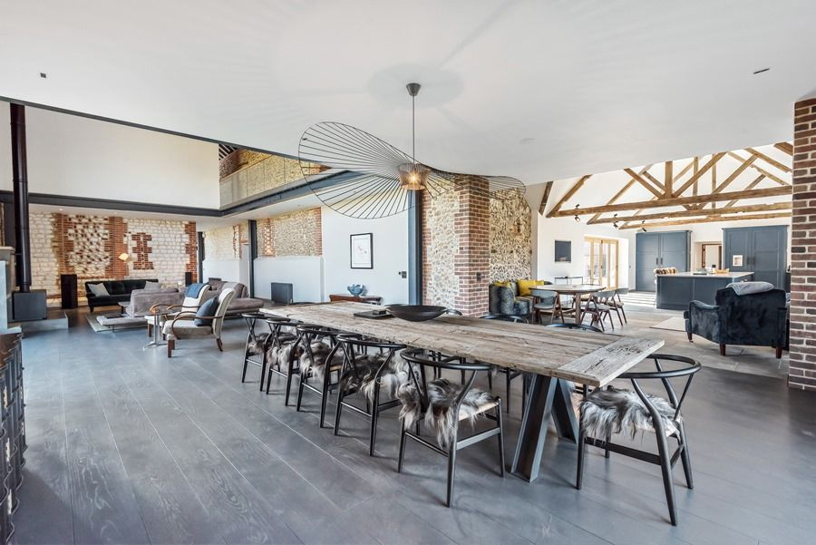 Beacon Hill Barn | Dining area