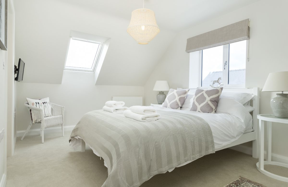 First floor:  A light and airy king-size bedroom