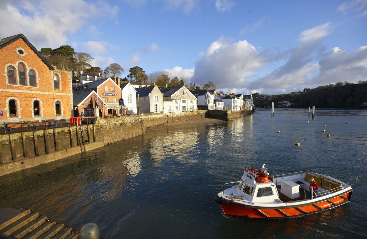The Polruan passenger ferry operates a continuous daily service between Polruan and Fowey