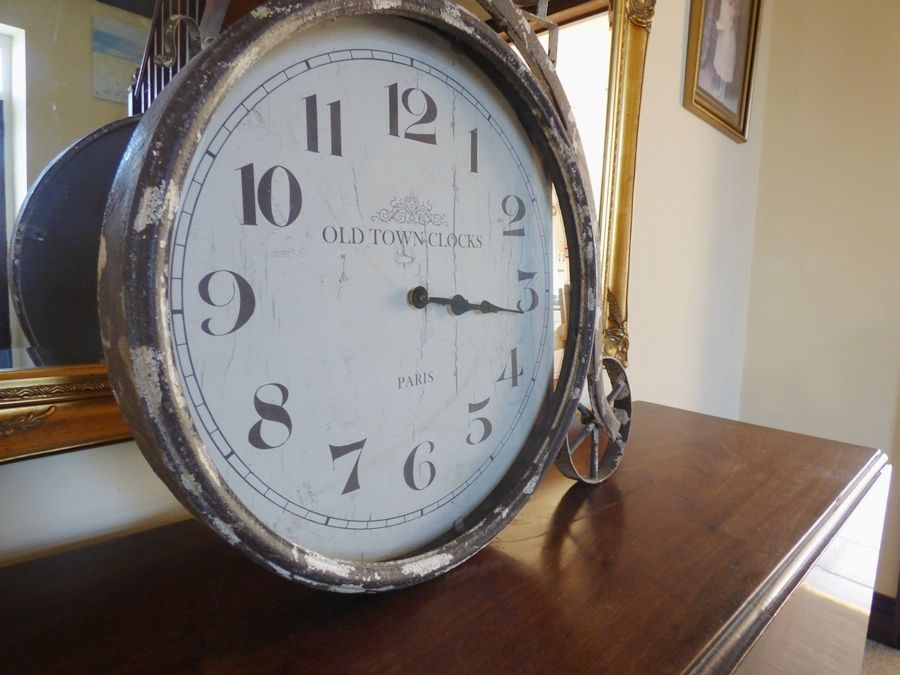 The Old Bakery | Hallway clock