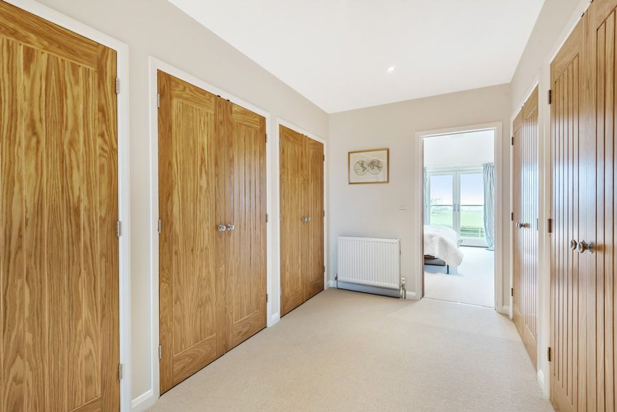 Easterly | Dressing area master bedroom