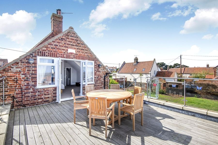Cobblestones Brancaster Staithe | Looking back to bedroom