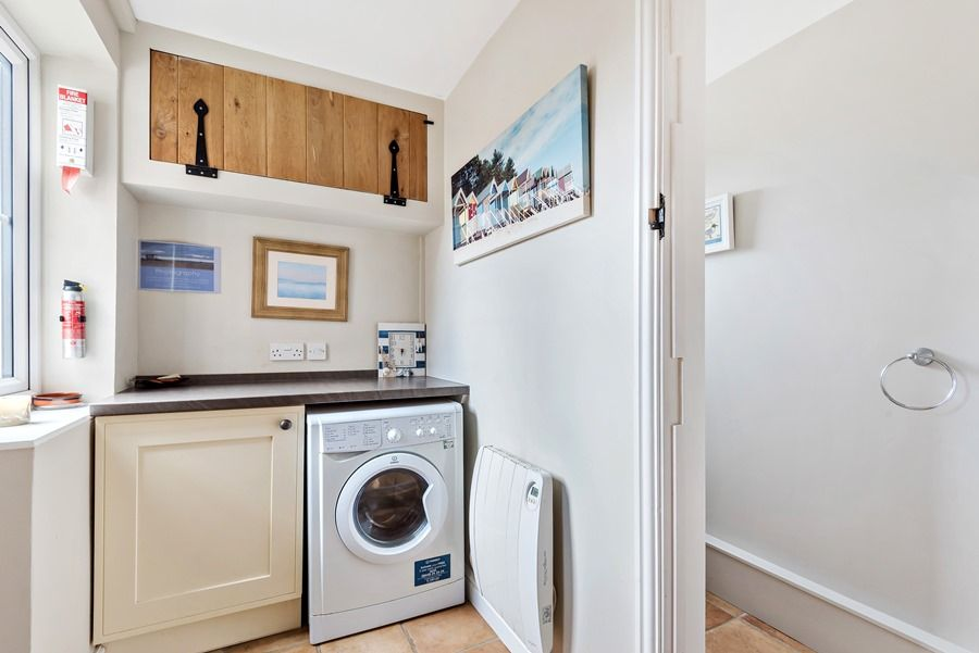 2 School Row | Laundry area