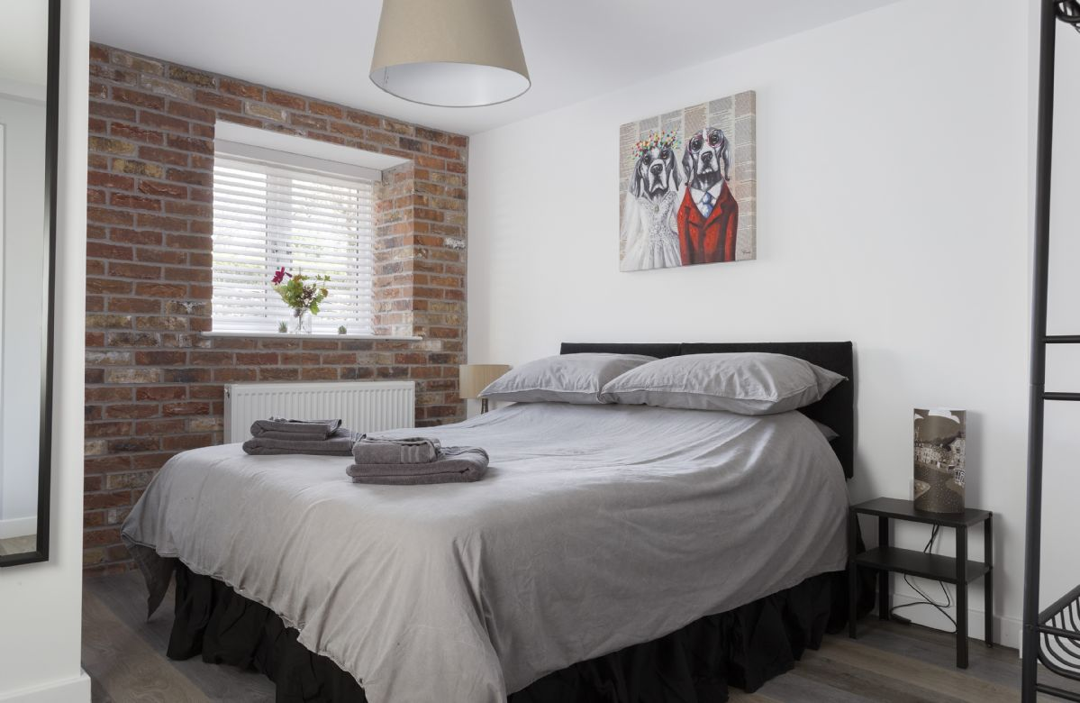 Ground floor: Bedroom two with 5 king-size bed (can be converted to two 2'6 singles on request)