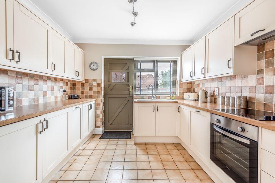 Lapwings | Kitchen