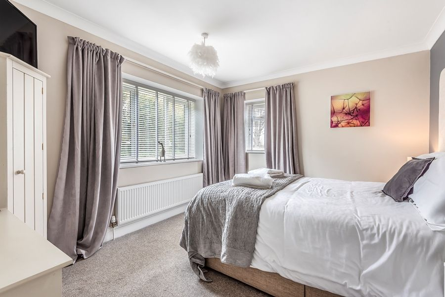 Lapwings | Bedroom 1