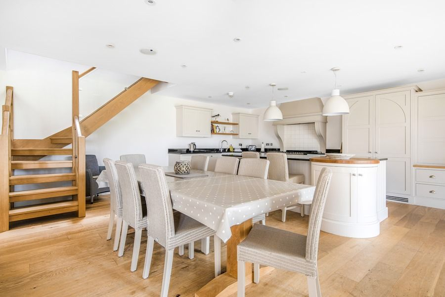 1 Manor Farm Barns | Dining area