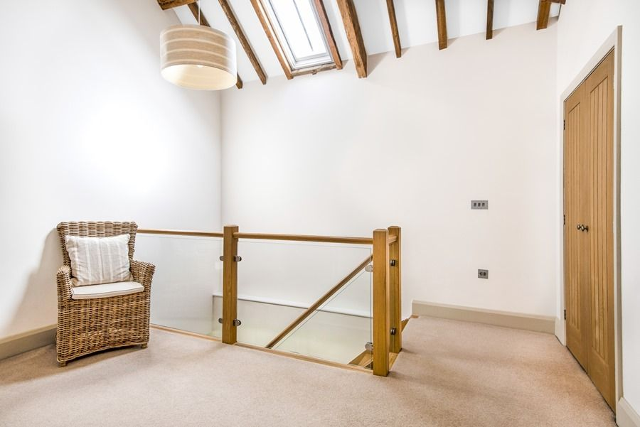1 Manor Farm Barns | Landing