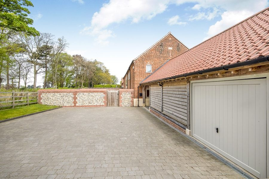 1 Manor Farm Barns | Outside