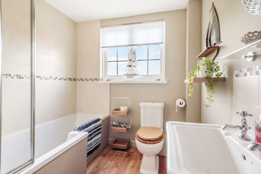Tucwel | Family bathroom