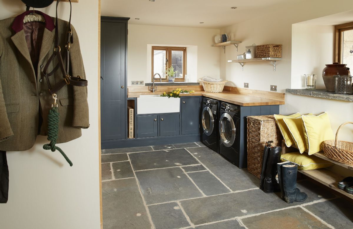 Ground floor: Separate utility room with underfloor heating