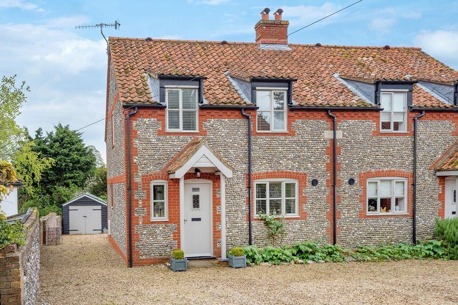 Owl Cottage   Front