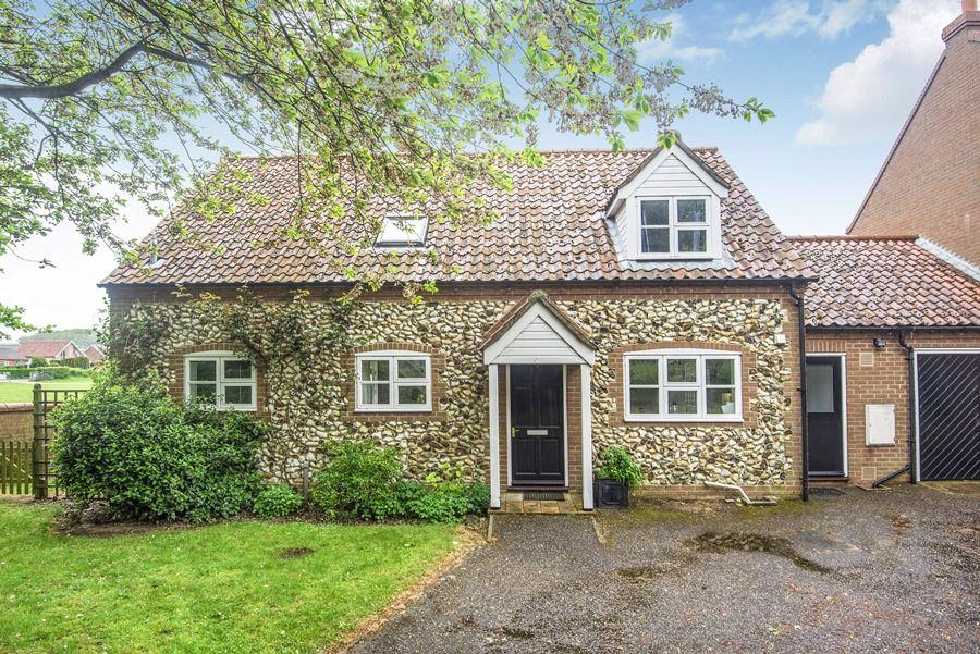 Field Cottage in Burnham Market | Front