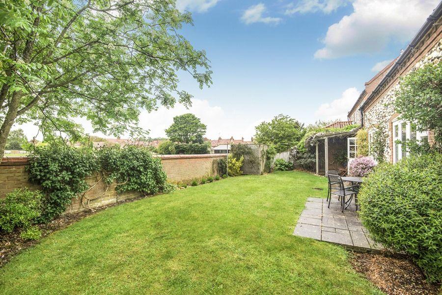 Field Cottage in Burnham Market | Garden