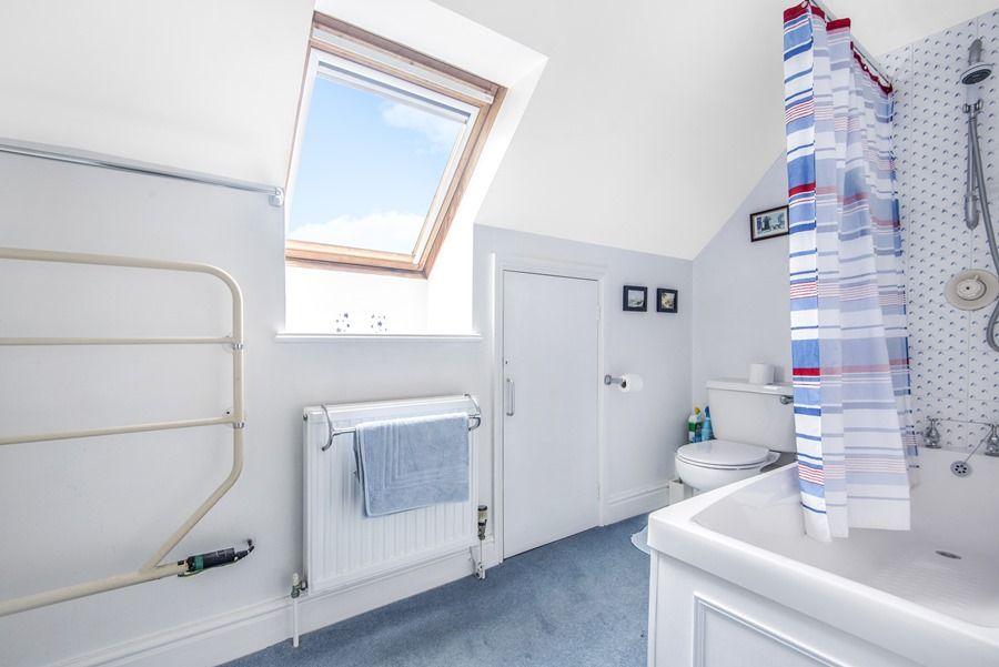 Field Cottage in Burnham Market | Bathroom