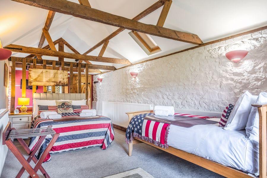 Lavender Barn | Burnham room (ground floor)
