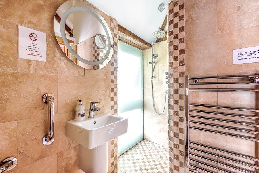 Lavender Barn | Shower room