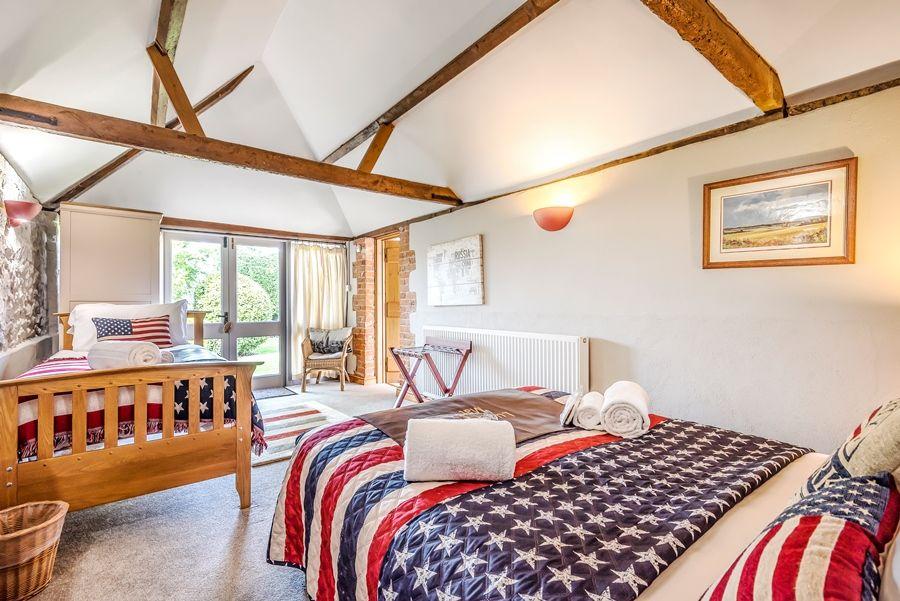 Lavender Barn | Burnham (family room)