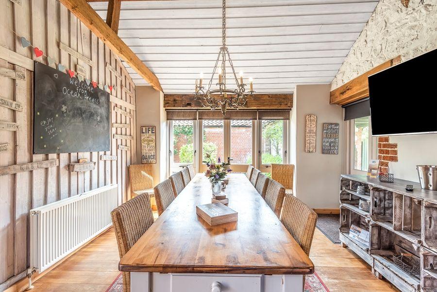 Lavender Barn | Dining room
