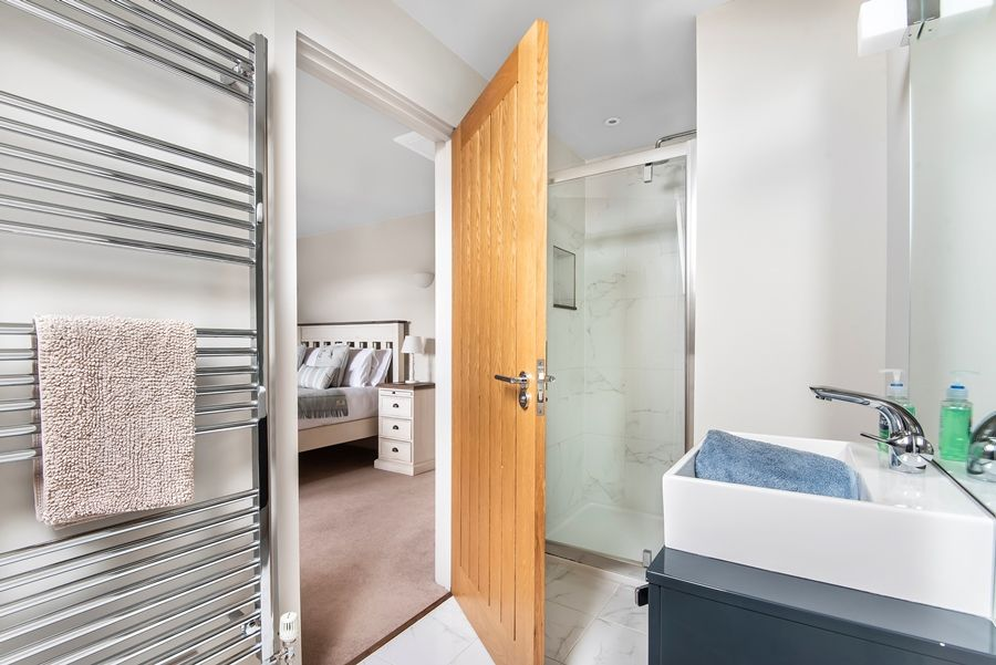 Cherry House | En-suite 2