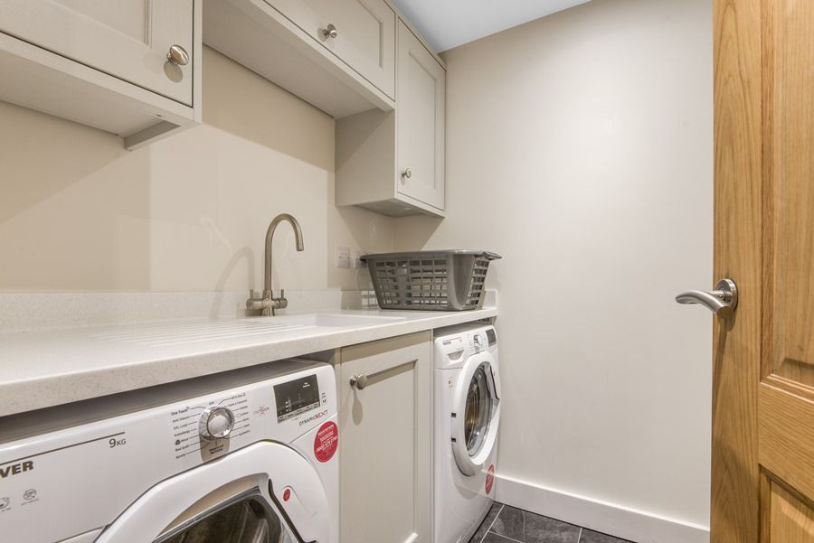 3 Pond End Row | Laundry room