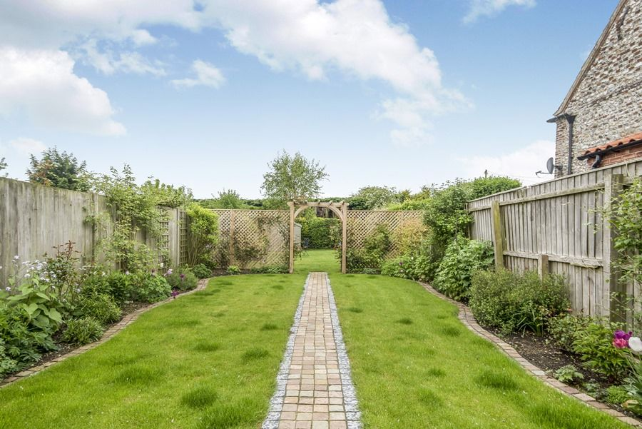 3 Pond End Row | Garden