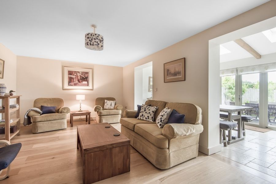 3 Pond End Row |
