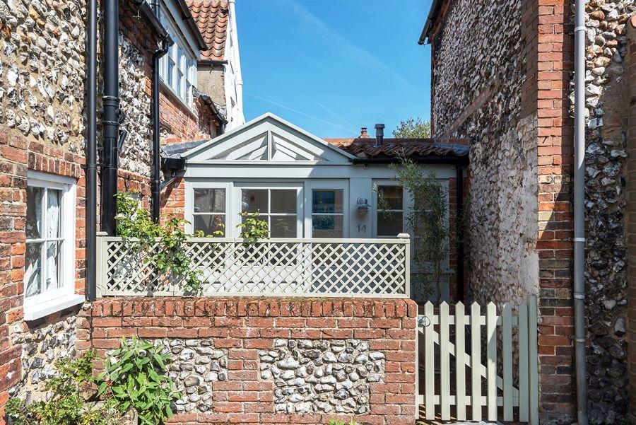 Lavender Cottage   Side entrance