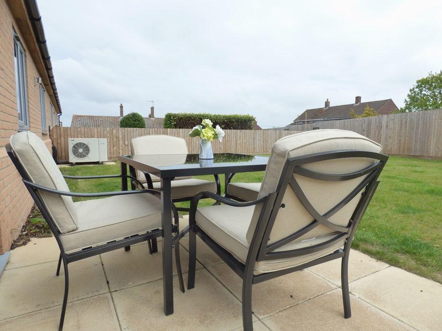 Ruskins Retreat | Garden furniture