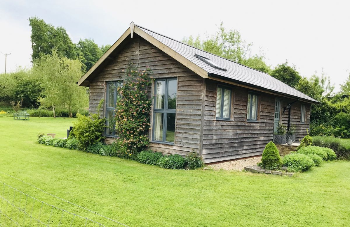 Larch Barn is a beautifully converted barn situated in North Perrott