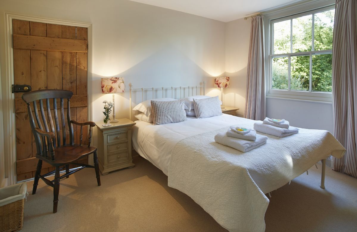 Ground floor: Double bedroom with 5' bed which also has direct access to the study/playroom