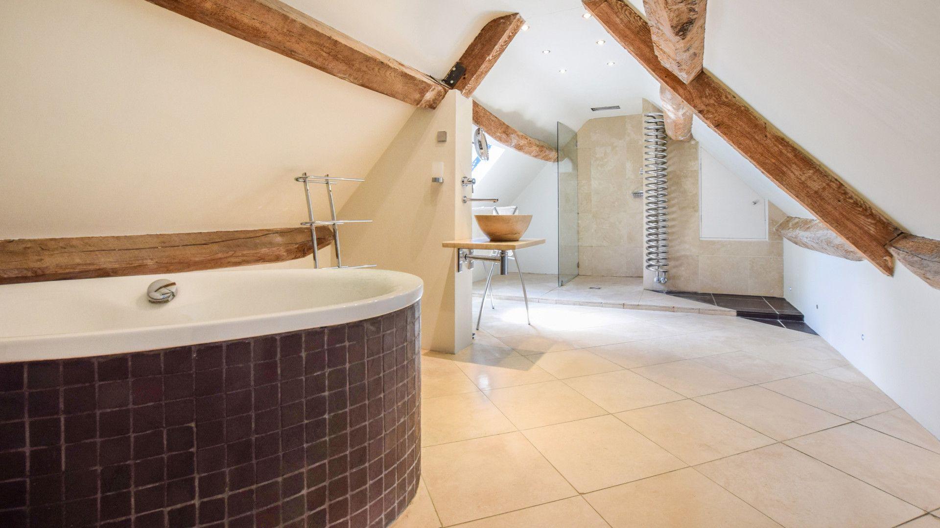 Loft conversion en-suite bathroom, Cotswold Cottage, Bolthole Retreats
