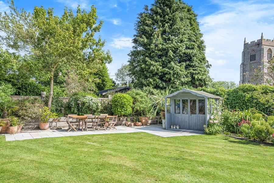 Sybil Cottage | Garden with terrace