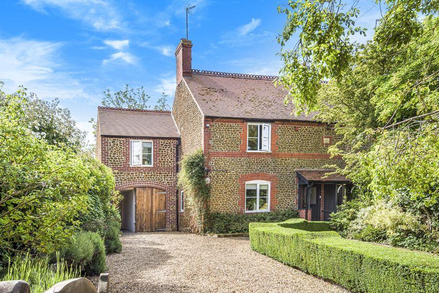 Sybil Cottage | Front