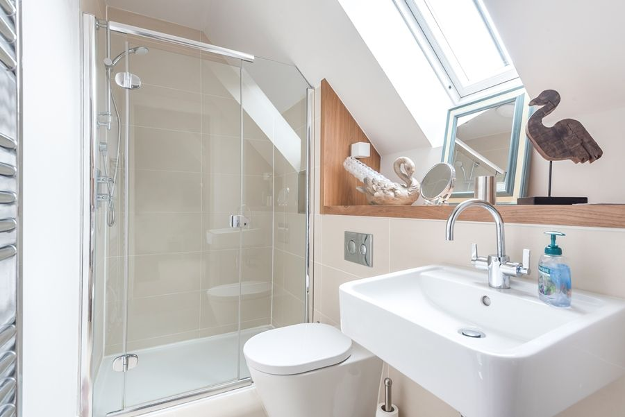 Curlew Cottage | En-suite shower