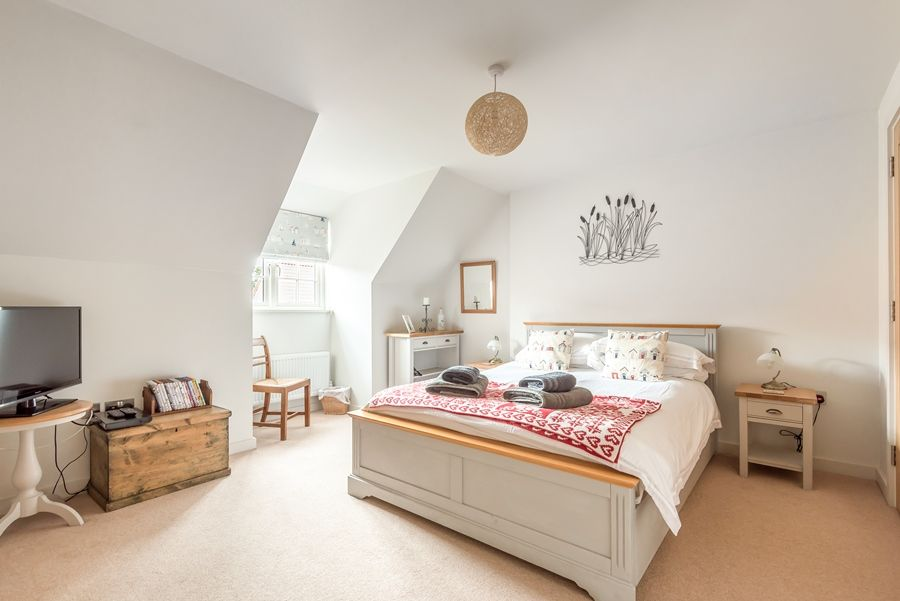 Curlew Cottage | Bedroom 1