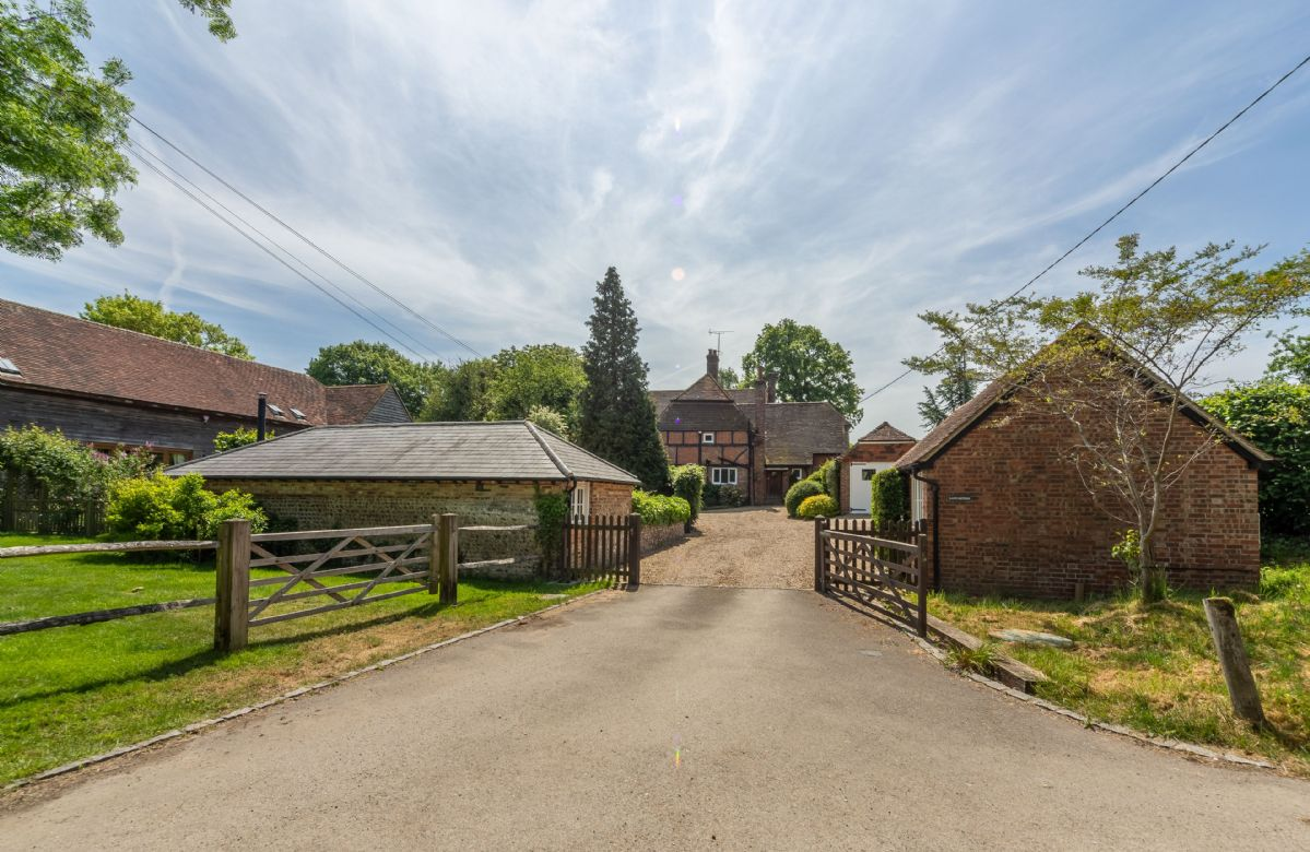 Tucked away down a single track road and on the grounds of the owners property, and set in the heart of the West Sussex countryside