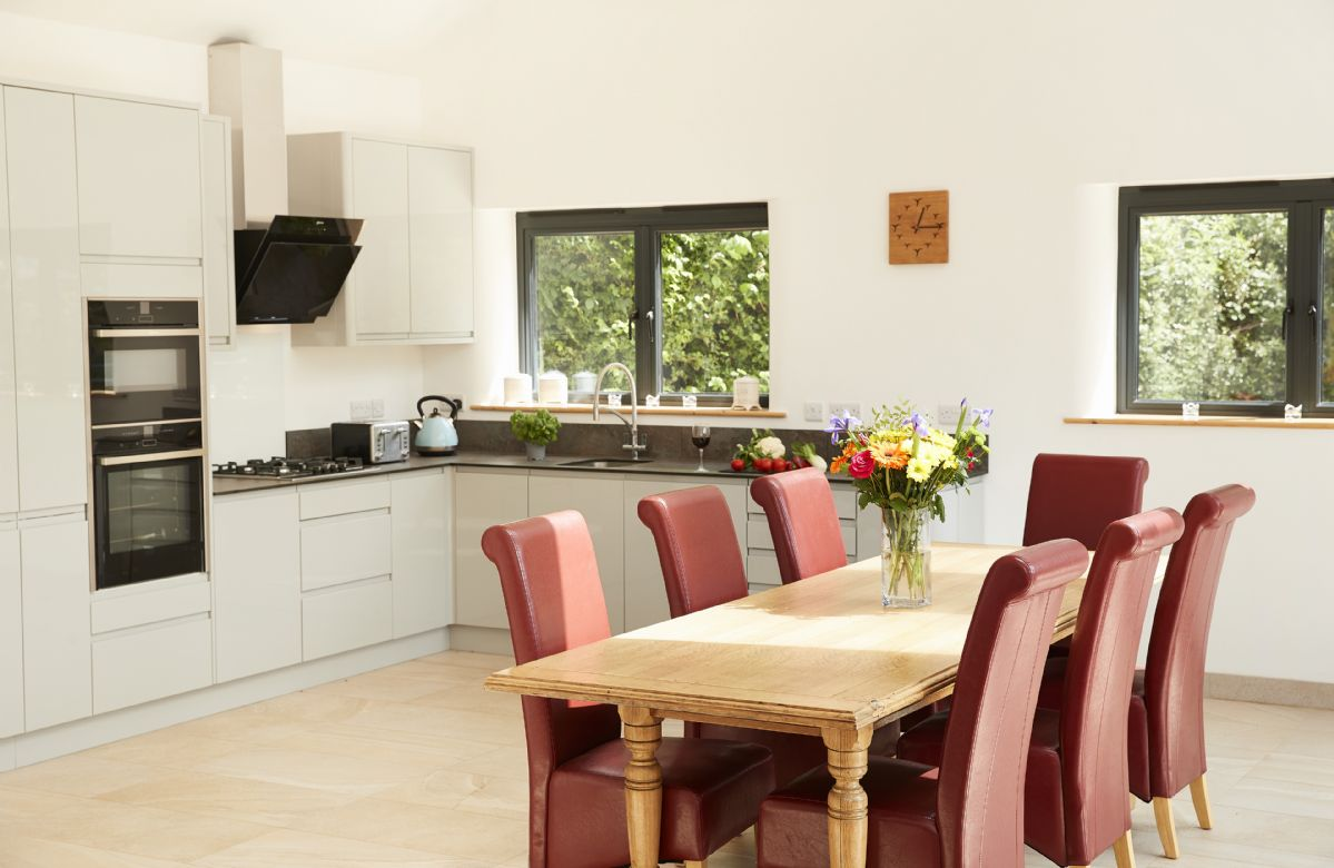 Ground floor: Fully equipped kitchen and open plan dining